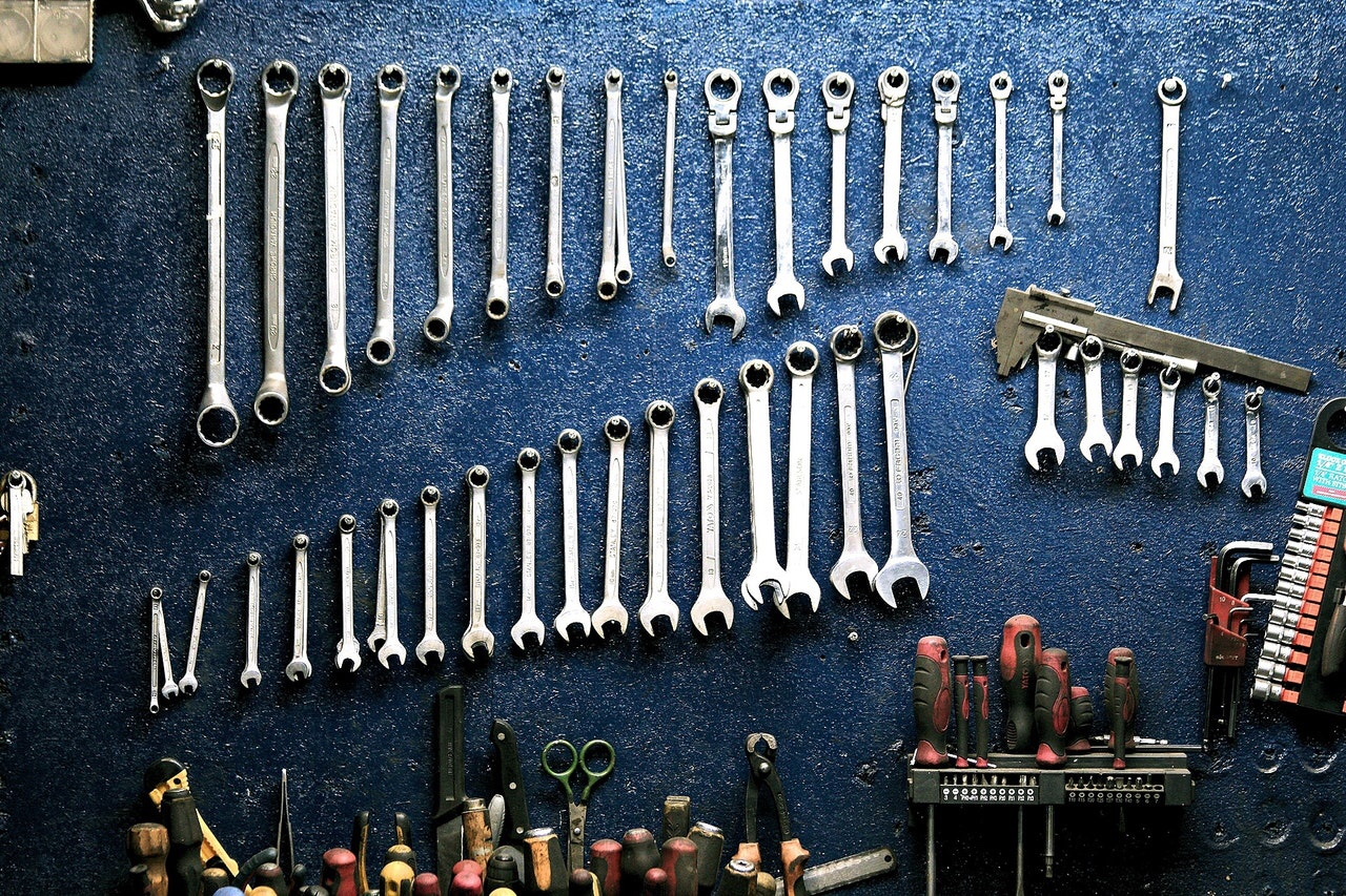 Wrenches organized by length
